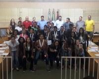 Vereadores em Sessão Ordinária fazem homenagem a Atletas de Centenário do Sul